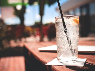 Gin-tonic-barman